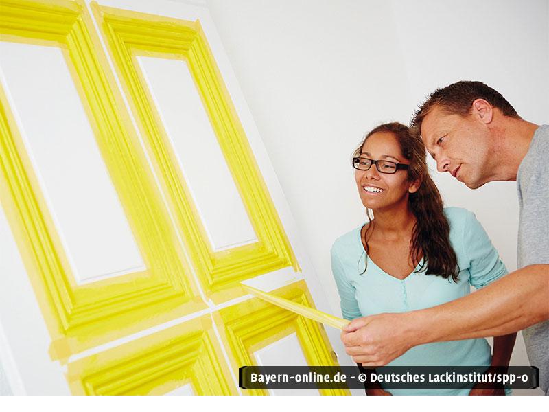 beim lackieren von t ren farbige akzente setzen. Black Bedroom Furniture Sets. Home Design Ideas